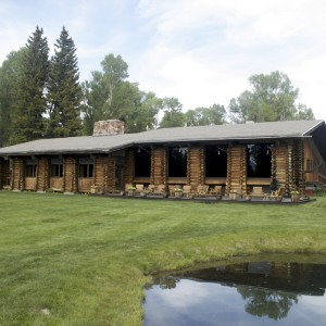 moose-head-ranch-main-lodge